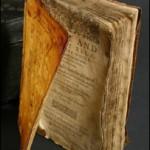 Un libro del siglo XVII hecho con la piel de la cara de un jesuita