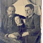 ¿Qué hacían en el siglo XIX para que los niños se quedasen quietos para hacer la foto?