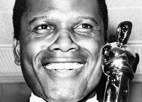 Sidney Poitier con el Oscar.