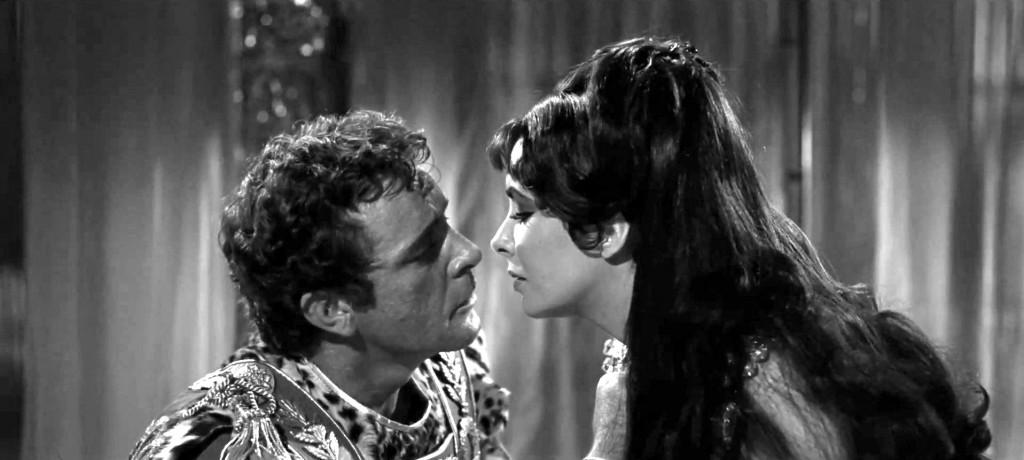 Cleopatra (Elizabeth Taylor) y Marco Antonio (Richard Burton)