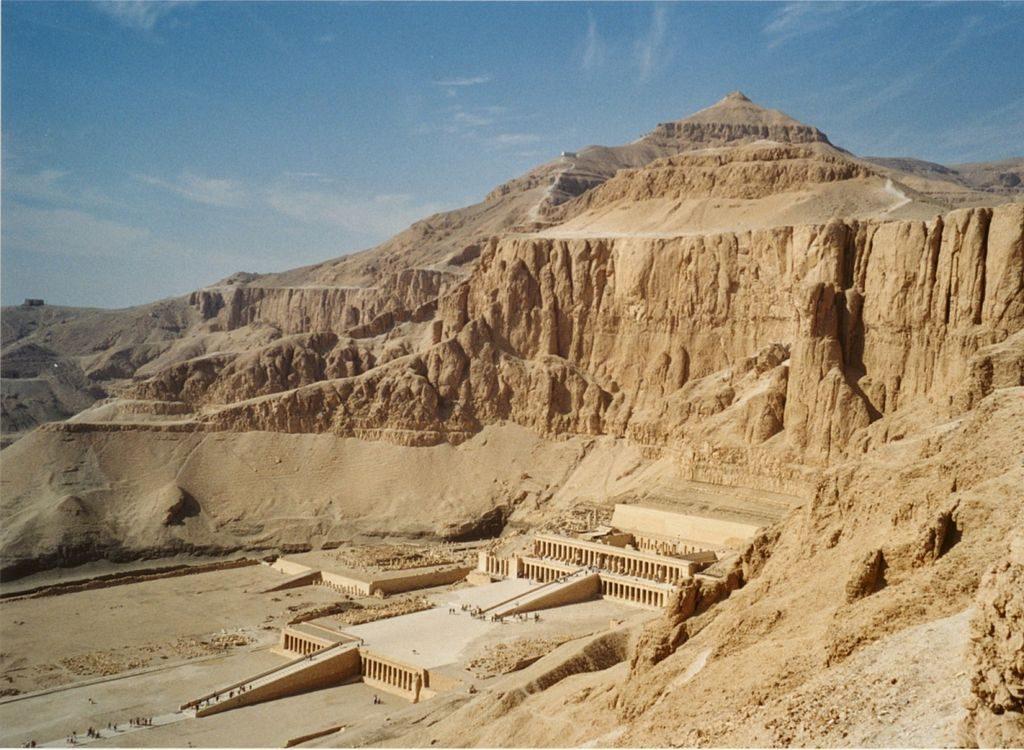 Dyeser Dyeseru, el templo de Hatshepsut en Deir el-Bahari